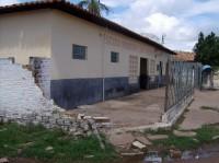 Colégio São Benedito continua com o muro caído