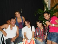 Ivone com amigos e familiares
