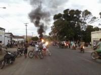 carro pega fogo em Barras