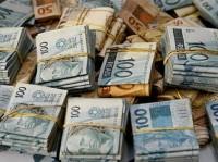 {722f2ed5-d650-472c-bda7-101e5f06bcb0}_dinheiro roubo